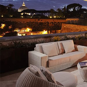 <b>The heart of Rome</b><br>Located in the historical, cultural and leisure centre of the Eternal City, this is the closest luxury hotel to St. Peter´s Cathedral, and enjoys breath-taking views over the Vatican City and Castel Sant'Angelo.